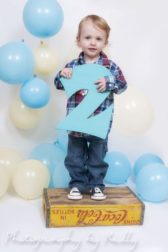 2 Year Old Boy Birthday Gifts  1000 ideas about 2nd Birthday graphy on Pinterest