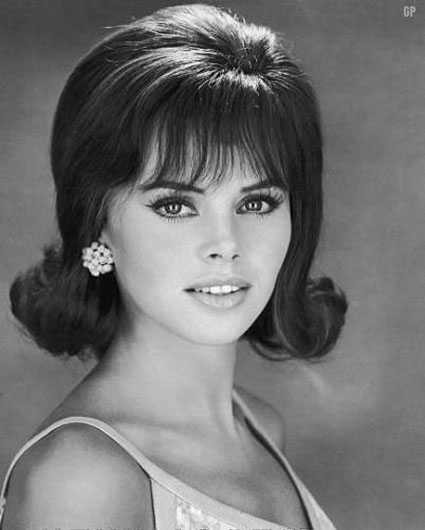 1960 Hairstyles For Long Hair  1960s Hairstyles – Top 10 Best Haircut of 60s era