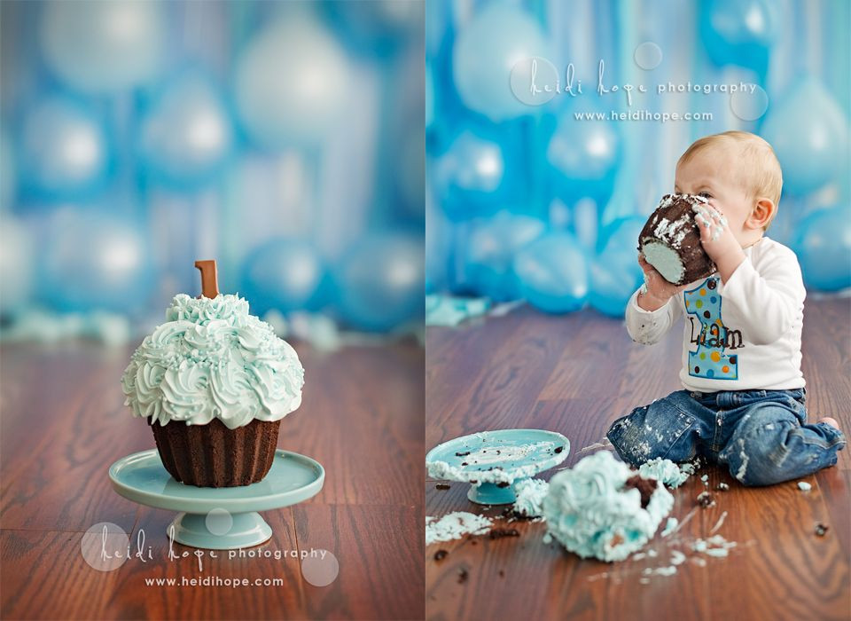 Best ideas about 1st Birthday Smash Cake . Save or Pin Streamers and balloons as a backdrop t birthday Now.
