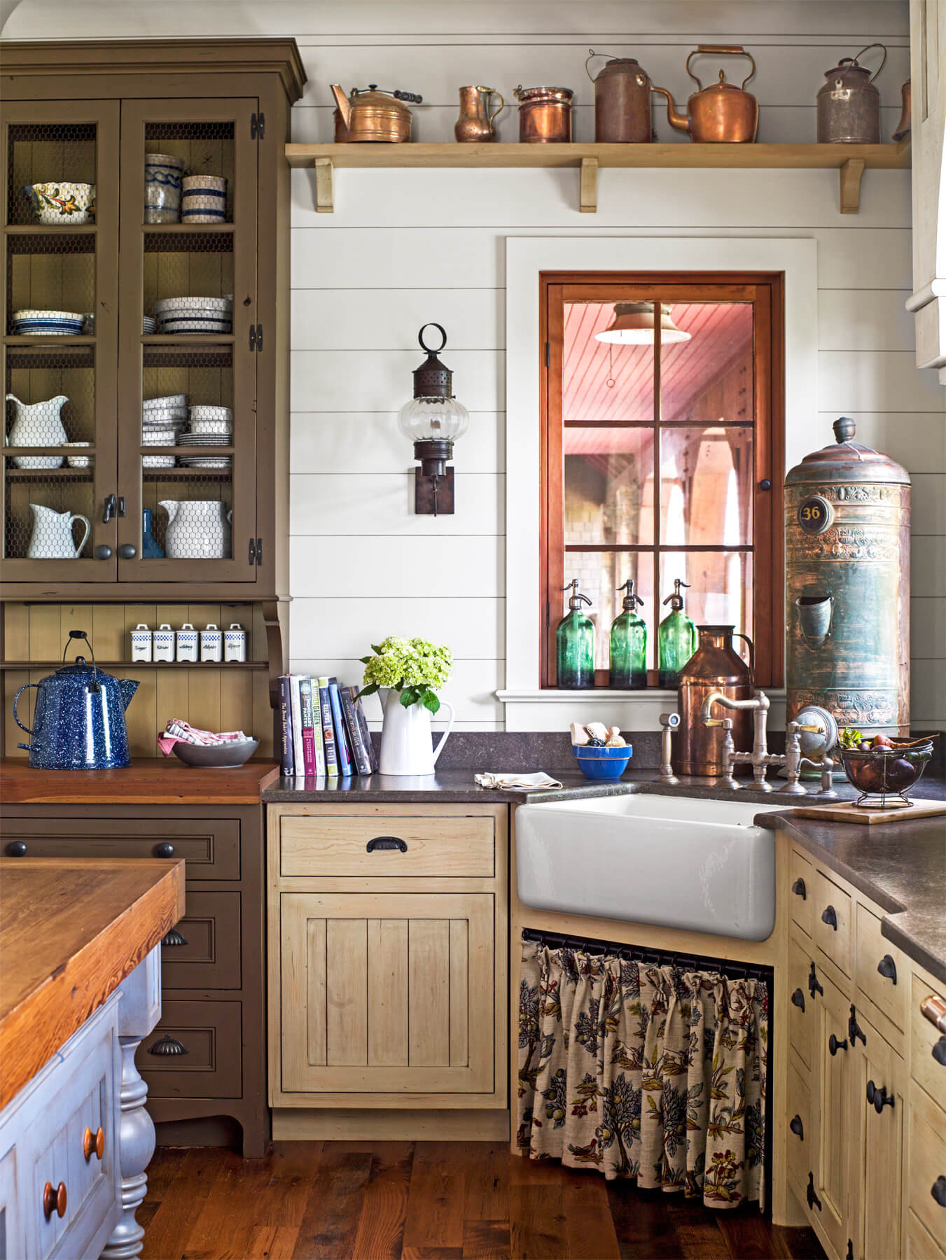 Best ideas about Antique Kitchen Decor . Save or Pin 34 Best Vintage Kitchen Decor Ideas and Designs for 2019 Now.