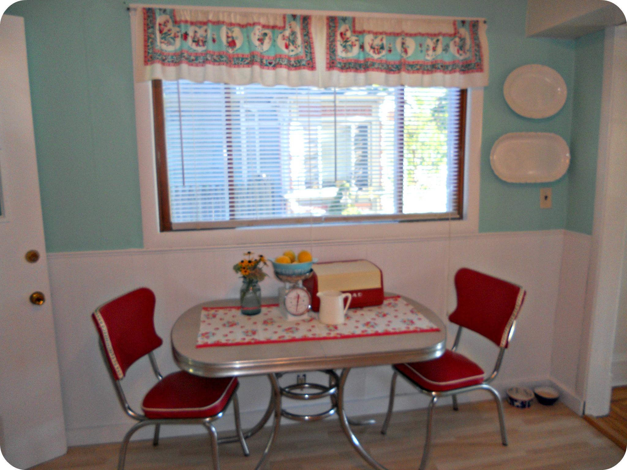 Best ideas about Antique Kitchen Decor . Save or Pin vintage kitchen decor Cornbread & Beans Quilting and Decor Now.