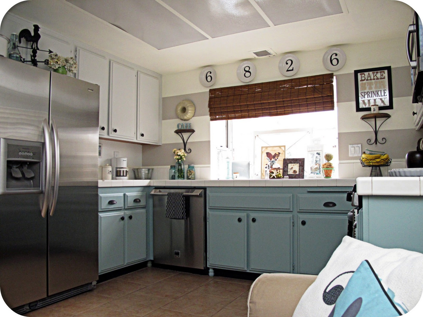 Best ideas about Antique Kitchen Decor . Save or Pin Vintage Kitchen Decorating Ideas Now.
