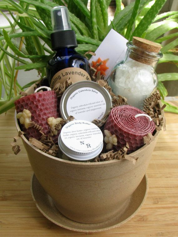Baby Shower Gift Basket Ideas For Guests  Popular Baby Shower Gifts 2015 Cool Baby Shower Ideas