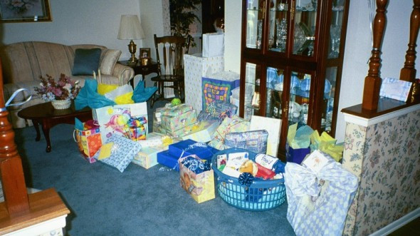 Baby Shower Gift Basket Ideas For Guests  Baby shower t basket ideas for guests