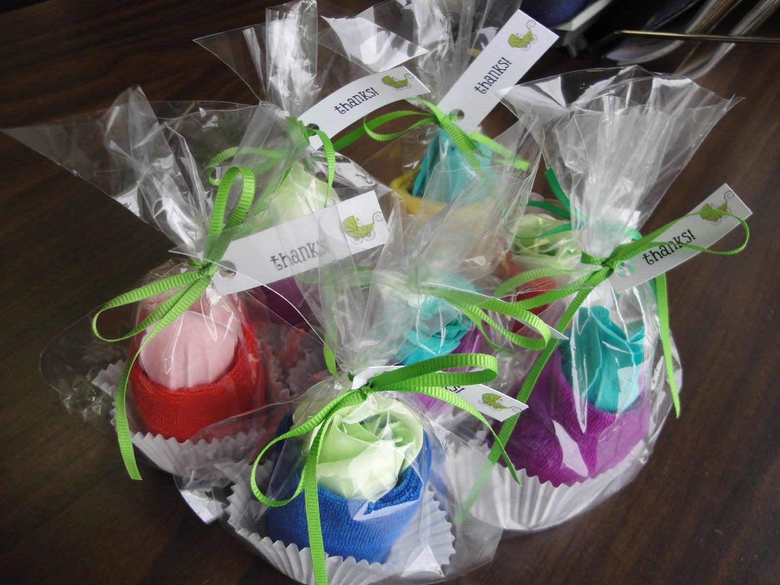 Baby Shower Party Favors DIY  Spa Washcloth Cupcake Baby Shower Favors Tutorial