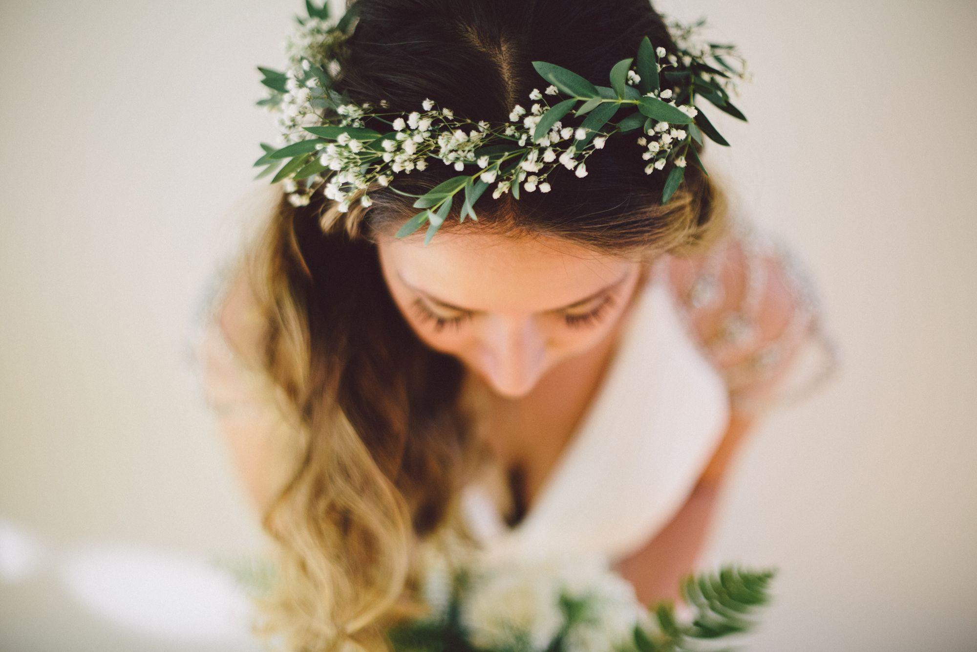 Best ideas about Baby'S Breath Flower Crown . Save or Pin DIY Baby s Breath Flower Crown Now.