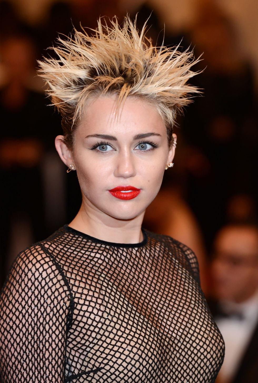 Bad Haircuts Female  Hairstyles For Bad Haircuts