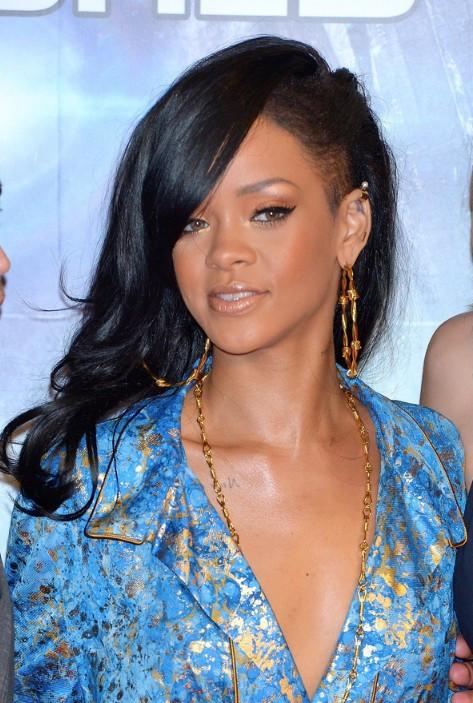Black Layered Hairstyles  Rihanna Layered Long Black Hairstyle Hairstyles Weekly