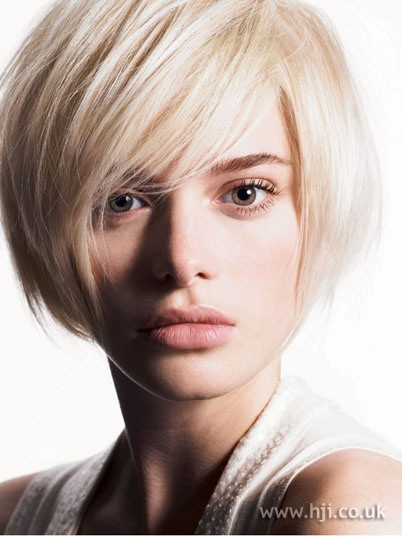 Bob Hairstyles With Fringe  layered bob hairstyles with fringe Fashion Trends Styles