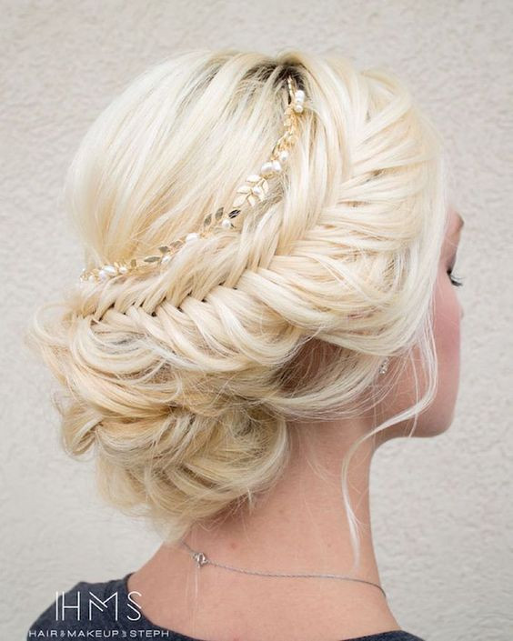 Bridesmaid Hairstyle  15 Beautiful Wedding Updo Hairstyles