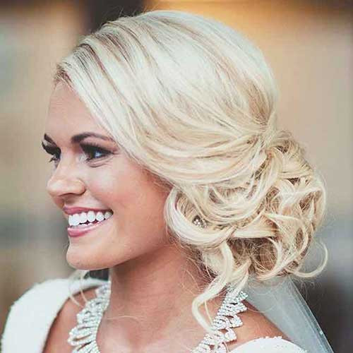Bridesmaid Side Hairstyles  20 Bridesmaid Hair Ideas
