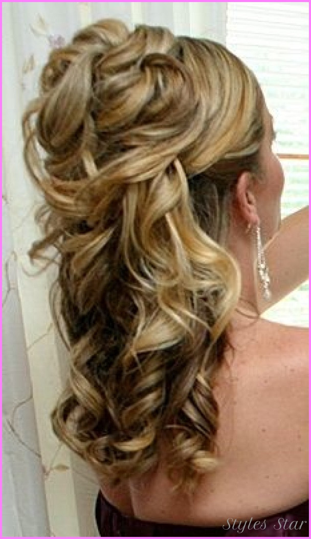 Bridesmaids Hairstyles Down  Bridesmaid hairstyles half up half down StylesStar
