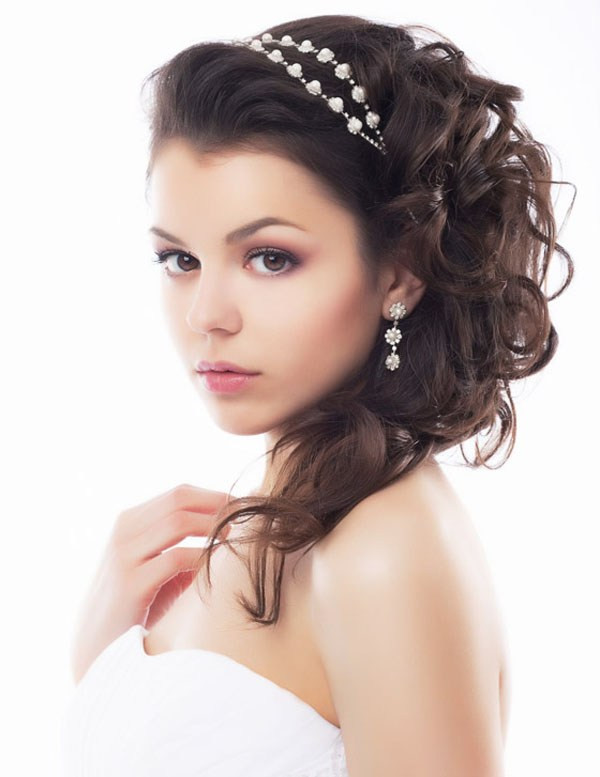 Bridesmaids Hairstyles For Medium Length Hair  24 Stunning and Must Try Wedding Hairstyles Ideas For