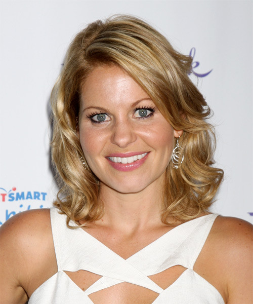 Candace Cameron Bure Hairstyle  Candace Cameron Bure Medium Wavy Casual Hairstyle Dark
