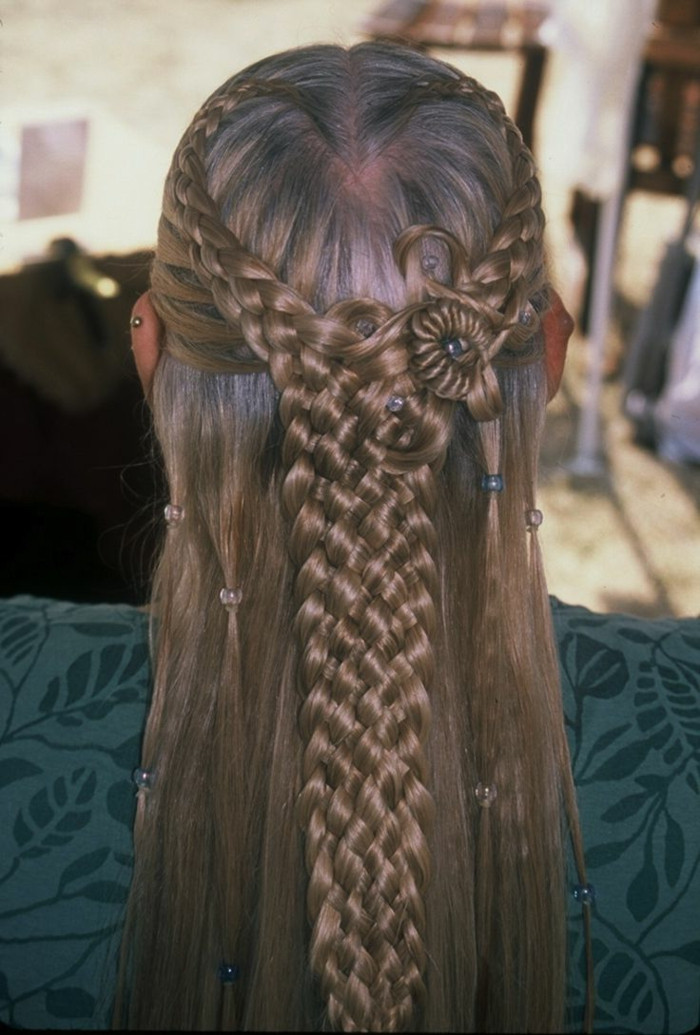 Celtic Hairstyles Female  1001 Ideas for Stunning Me val and Renaissance Hairstyles