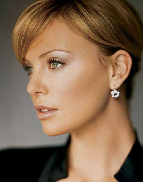 Charlize Theron Hairstyles  25 Charlize Theron Pixie Haircut