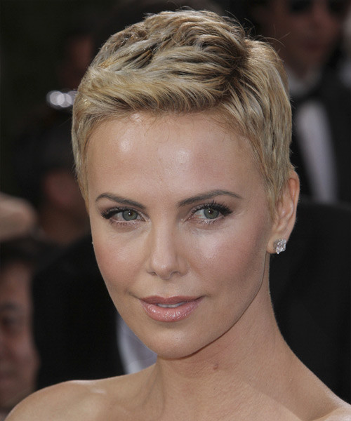 Charlize Theron Hairstyles  Charlize Theron Short Straight Casual Hairstyle Light