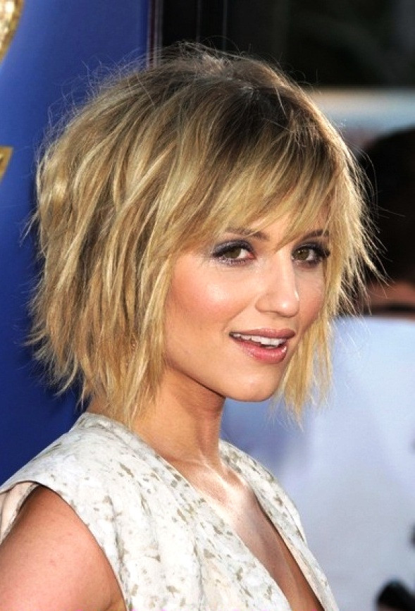Choppy Medium Haircuts  40 Choppy Hairstyles To Try For Charismatic Looks Fave