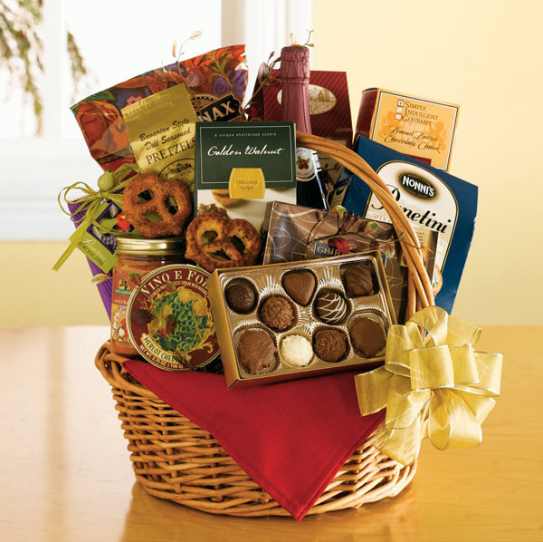 Best ideas about Christmas Gift Basket Ideas For Couples . Save or Pin Amazing Christmas Gift Ideas for Couples Christmas Now.