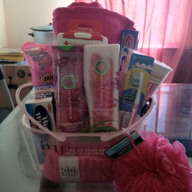 College Boyfriend Gift Ideas  A going away to college t basket I LOVE making t