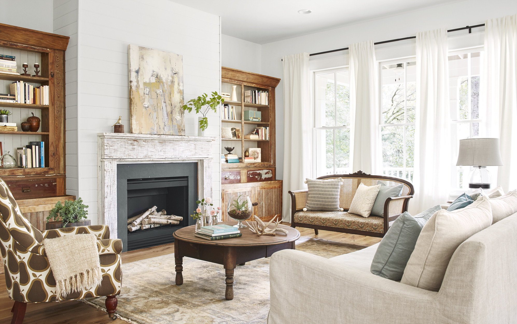 Best ideas about Country Living Room . Save or Pin Lauren Crouch Georgia Farmhouse Southern Farmhouse Now.