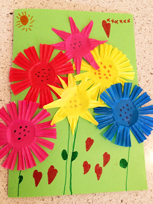 Best ideas about Craft Projects For Toddlers . Save or Pin Summer Bouquet Greeting Card Craft Now.