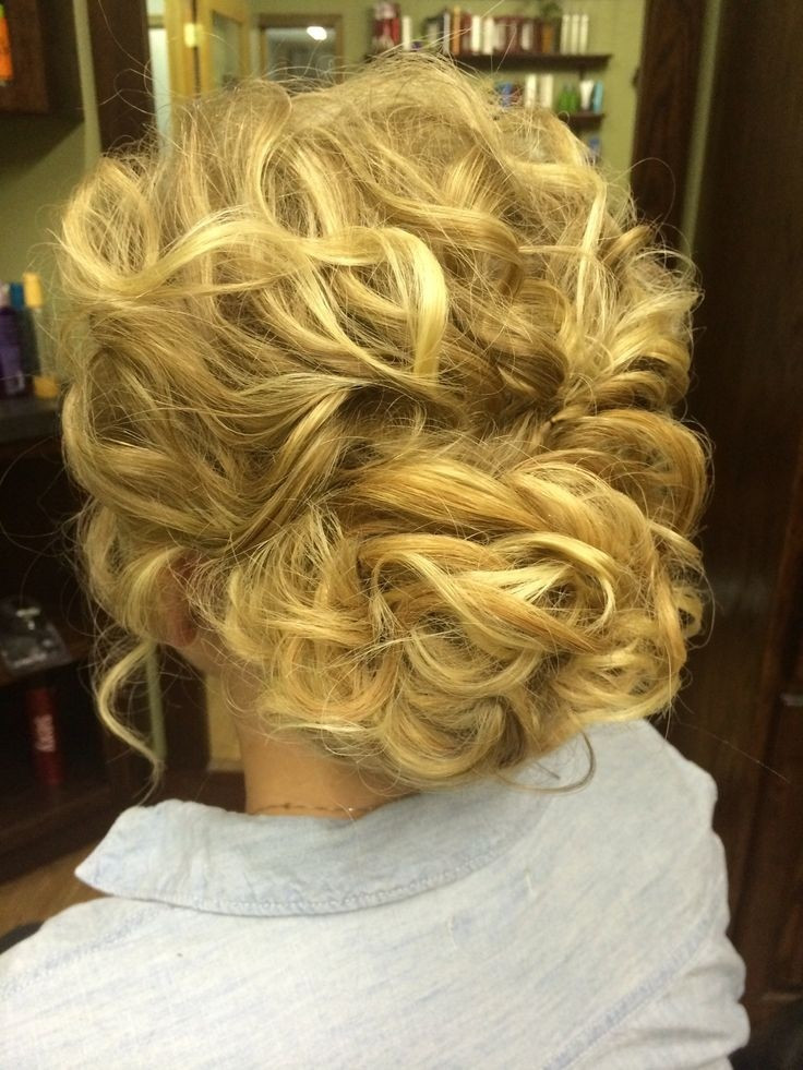 Best ideas about Curly Hairstyles Up Do . Save or Pin 32 Overwhelming Bridesmaids Hairstyles Pretty Designs Now.