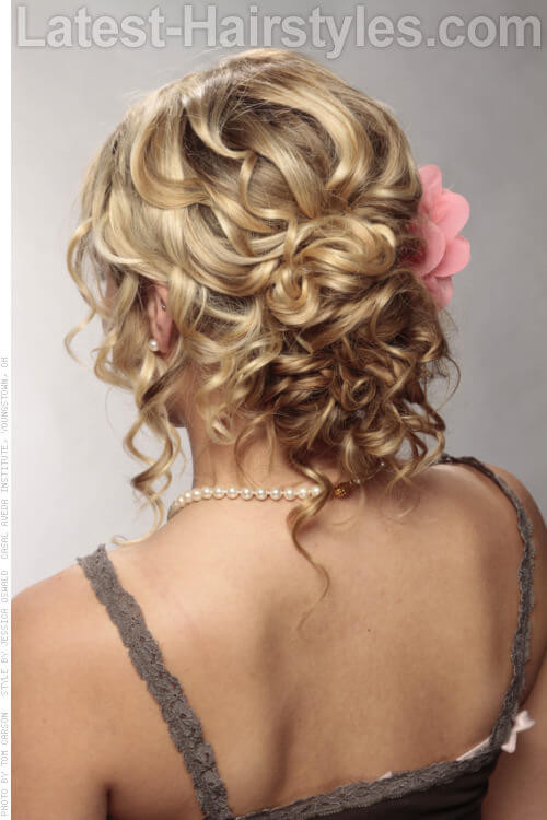 Best ideas about Curly Hairstyles Up Do . Save or Pin How To Style Curly Hair The Right Way Now.