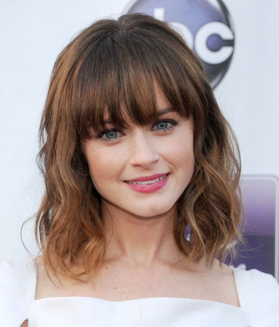 Cute Hairstyles For Bangs  30 Fringe Hairstyles For Medium Length Hair Elle Hairstyles