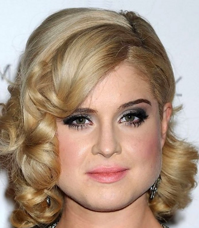 Cute Hairstyles For Shoulder Length Hair  A Guide to Making Cute Hairstyles for Medium Length Hair