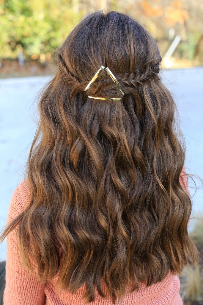Cute Hairstyles That Are Easy  Barrette Tieback