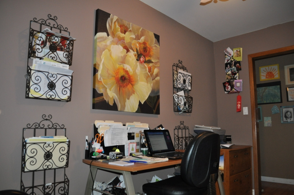 Best ideas about Decorating Small Office Space . Save or Pin Making the Most of a Small Home fice Space Now.