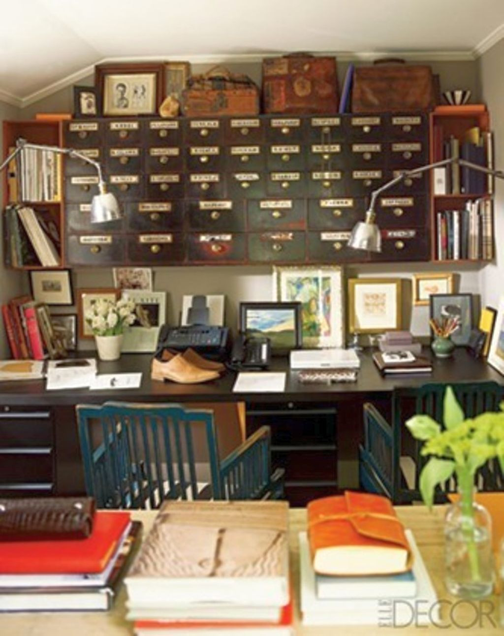 Best ideas about Decorating Small Office Space . Save or Pin 20 Inspiring Home fice Design Ideas for Small Spaces Now.