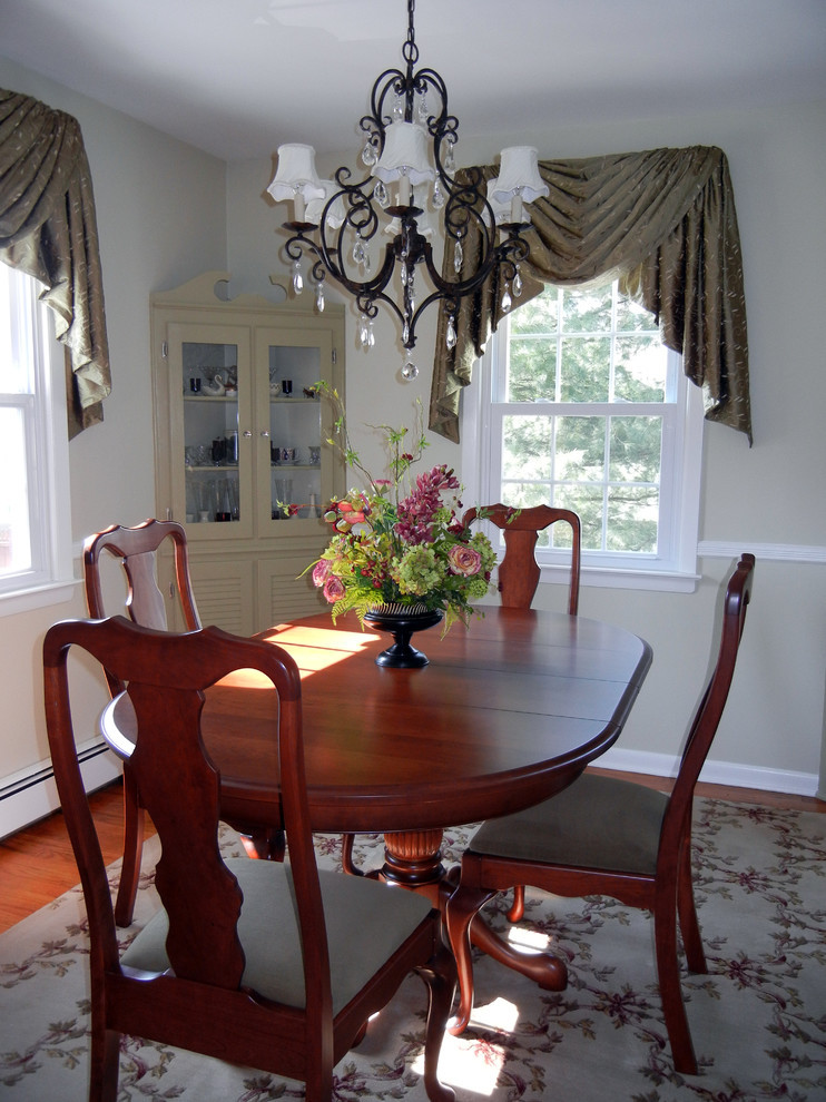 Best ideas about Dining Room Centerpieces . Save or Pin centerpiece for dining room table Dining Room Traditional Now.