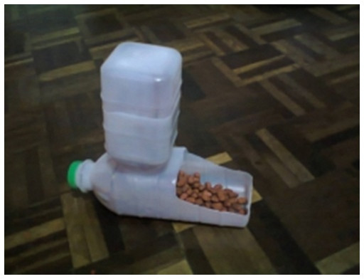 Best ideas about DIY Automatic Dog Waterer . Save or Pin DIY Plastic Bottle Pet Feeder Now.