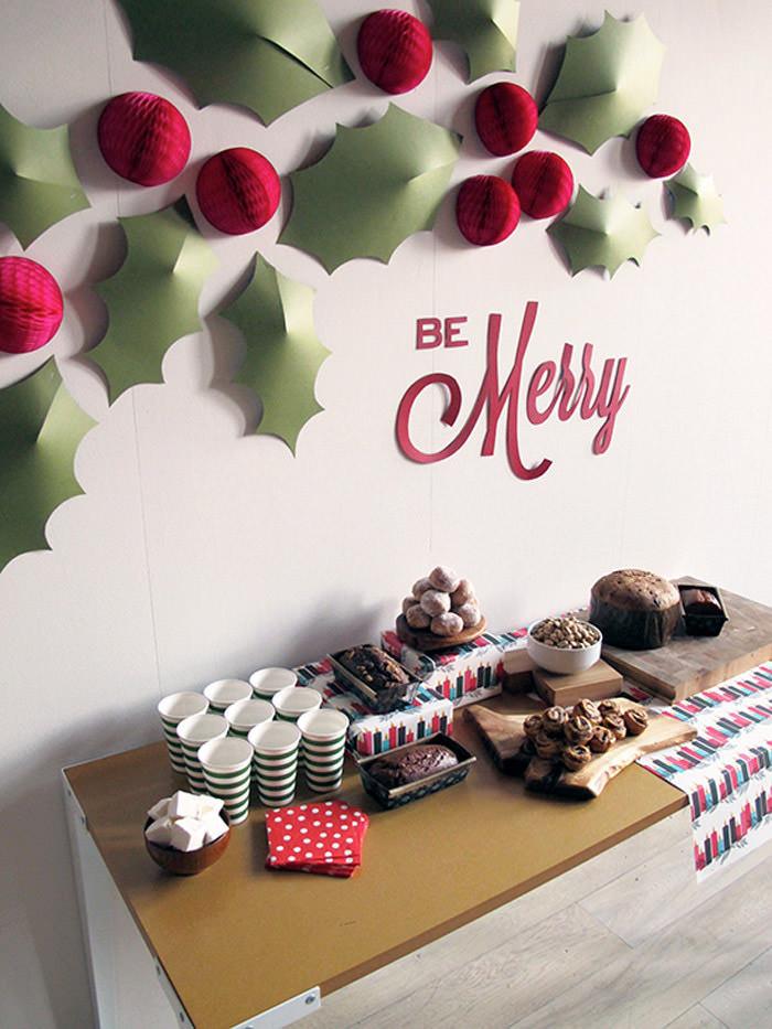 DIY Christmas Wall Decor  Christmas Decorations – 20 DIY Ideas You Should Try Hongkiat