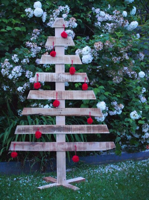 DIY Christmas Yard Decoration  20 DIY Outdoor Christmas Decorations Ideas 2014
