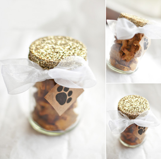 DIY Dog Gifts  17 Fun Christmas Presents for Pets Tip Junkie