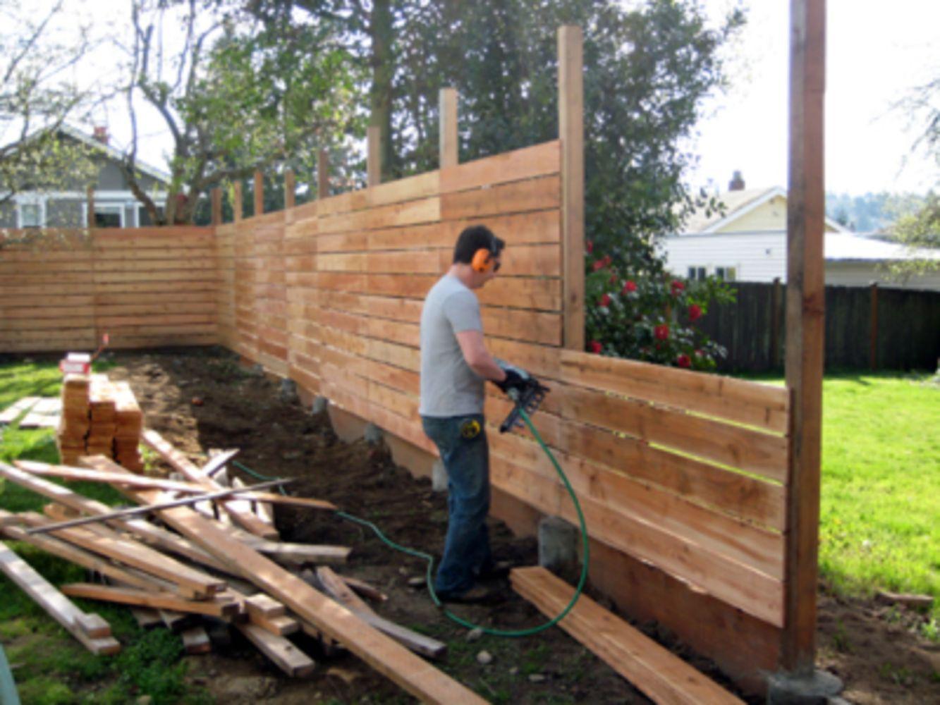DIY Fence Building  Cheap diy privacy fence ideas 53 Wartaku