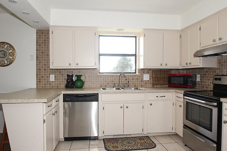 Best ideas about DIY Kitchen Cabinets Paint . Save or Pin Hometalk Now.