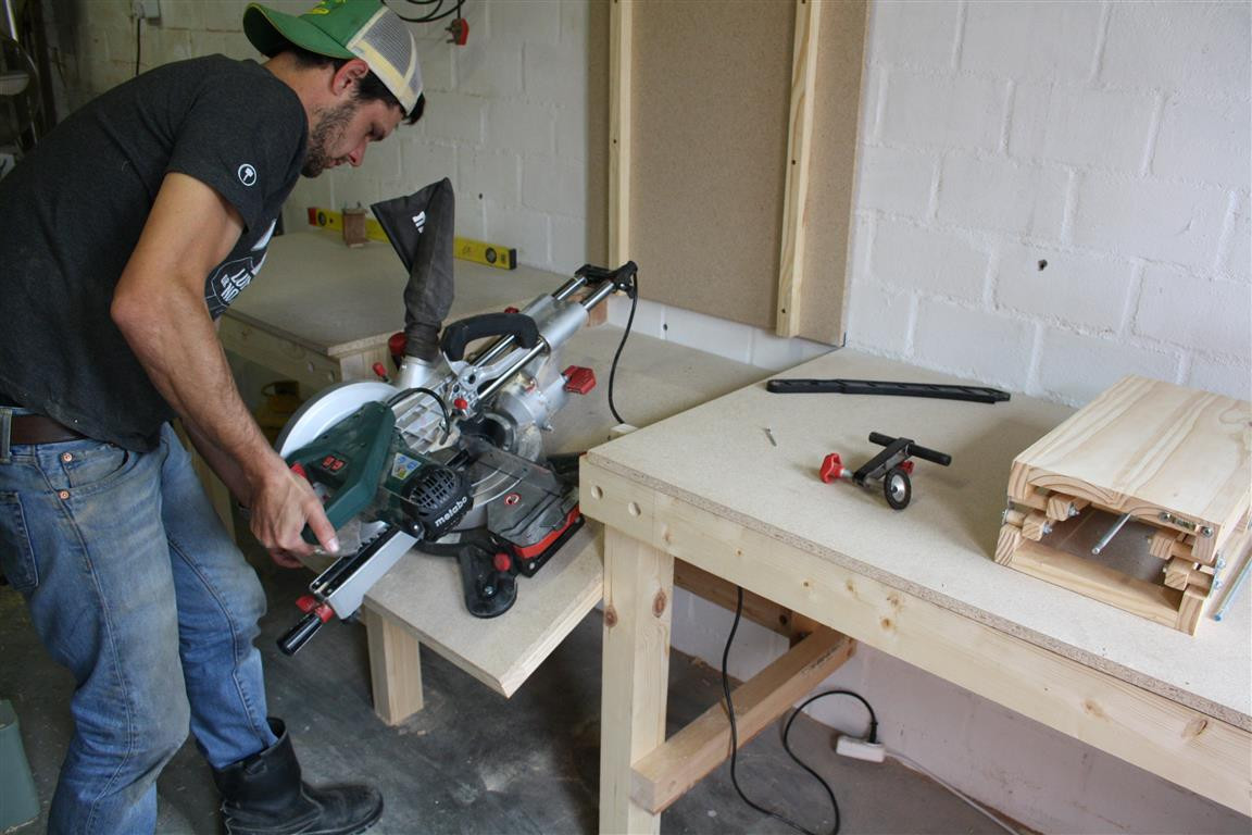 DIY Miter Saw Table  DIY Folding Miter Saw Stand