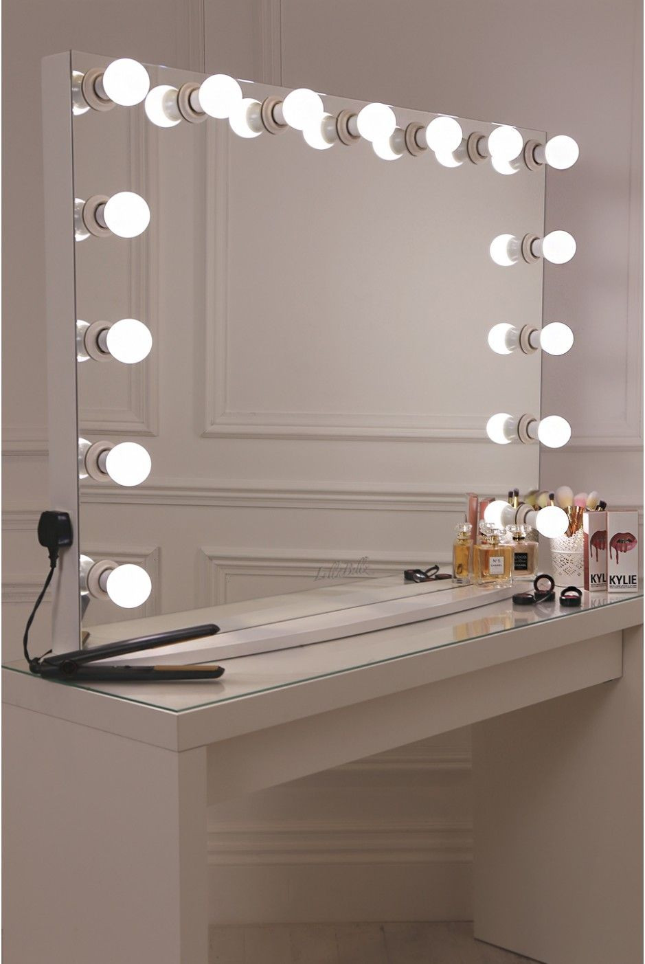 DIY Vanity Lights  DIY Vanity Mirror With Lights for Bathroom and Makeup