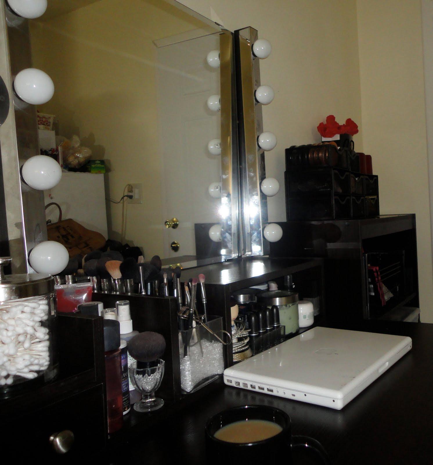 DIY Vanity Lights  prettythings DIY my new vanity