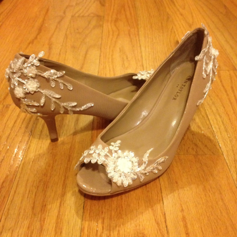 DIY Wedding Shoe  How to DIY frugal but fancy wedding shoes with appliques