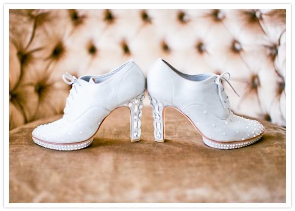 DIY Wedding Shoe  20 DIY Wedding Shoes for Every Bridal Style thegoodstuff