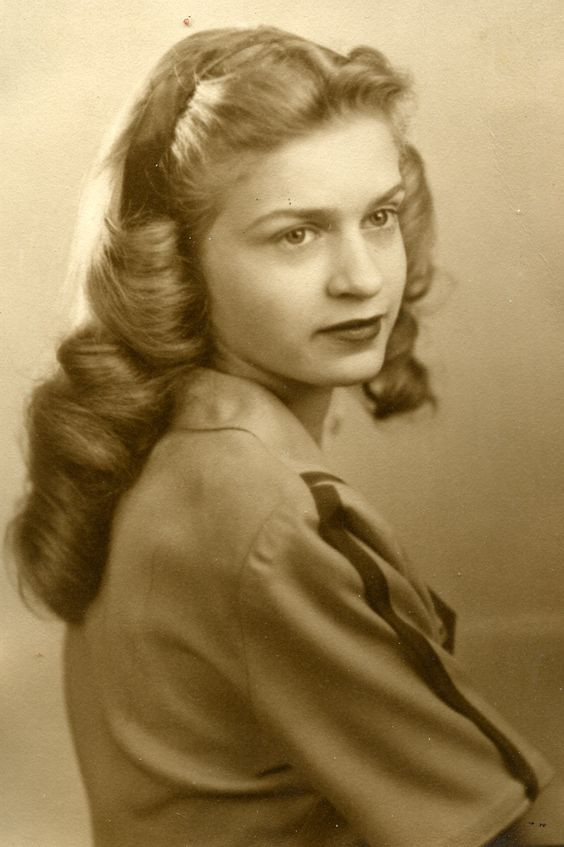 Best ideas about Easy 1940S Hairstyles . Save or Pin 1940s Hairstyles For Long Hair Elle Hairstyles Now.
