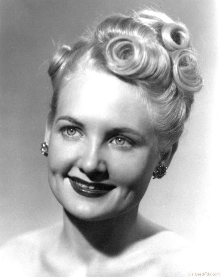Best ideas about Easy 1940S Hairstyles . Save or Pin 40 S Hairstyles For Long Hair To Do HairStyles Now.