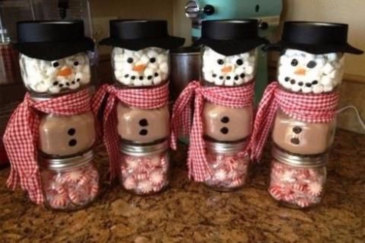Best ideas about Easy Christmas Craft Gifts . Save or Pin DIY Mason Jar Craft Ideas for Christmas great homemade Now.