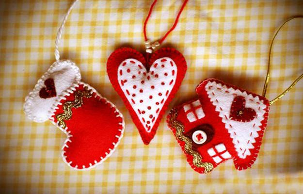 Best ideas about Easy Christmas Craft Gifts . Save or Pin 22 Felt Christmas Crafts Homemade Christmas Tree Decorations Now.