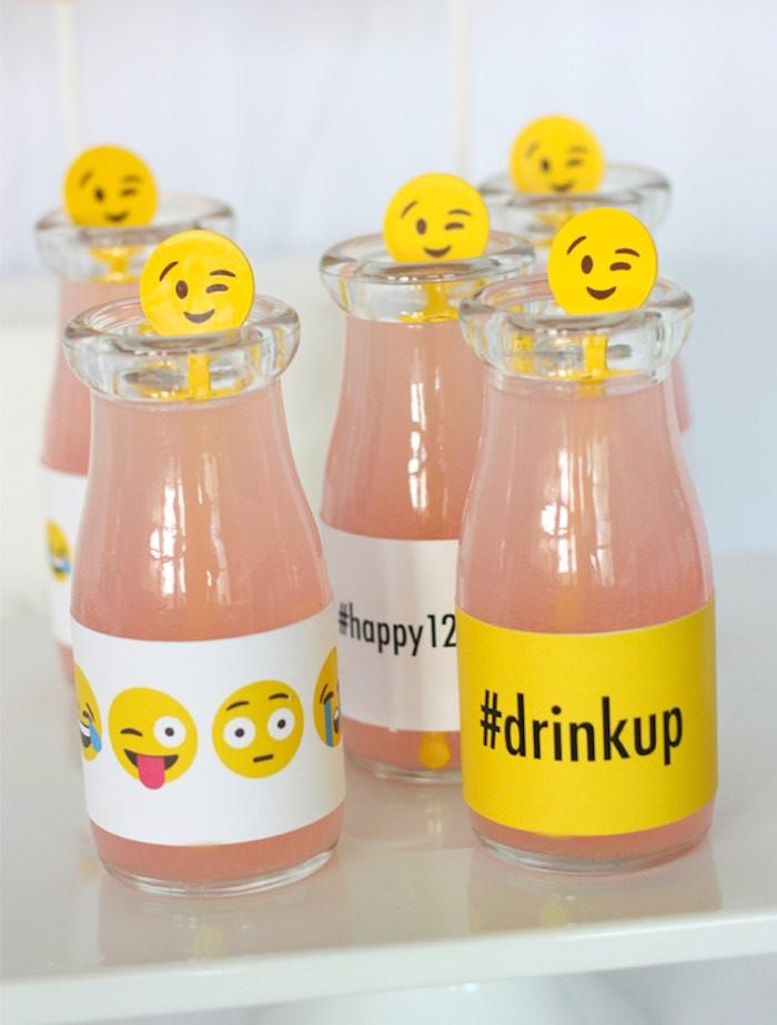 Emoji Birthday Decorations  Kara s Party Ideas Instagram Emoji Themed Teen Birthday